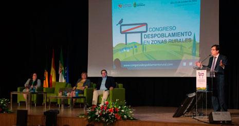 Guillermo Fernández Vara interviene en el congreso de Monfragüe. Foto: Junta de Extremadura