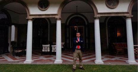 Jose Antonio León, director de Gnuo Consultores, durante una visita a la embajada española en Santiago de Chile. CEDIDA