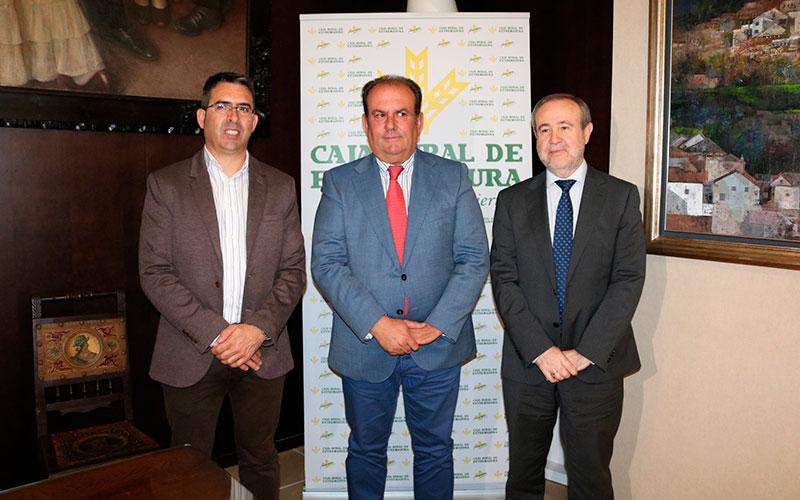 Caja Rural de Extremadura y Cruz Roja impulsan la empleabilidad de personas vulnerables