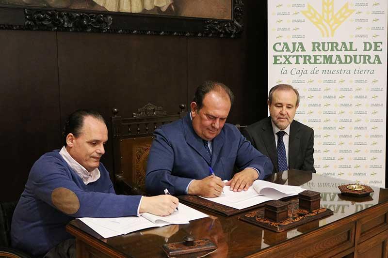 Caja Rural de Extremadura y la Fundación Primera Fila colaborarán en favor de colectivos en riesgo de exclusión social