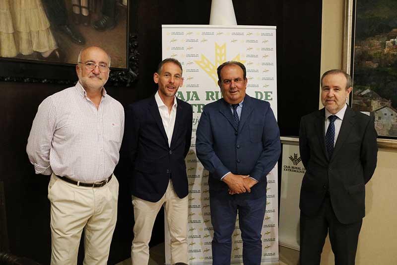 Caja Rural de Extremadura y el Club Maratón de Badajoz renuevan su convenio de colaboración