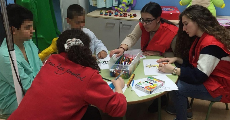 Cruz Roja Juventud acompaña a los niños y jóvenes hospitalizados