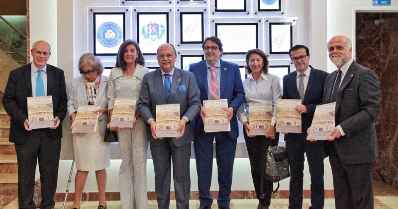 Miguel Ángel Amador presenta su libro sobre la historia del Colegio de Médicos de Badajoz