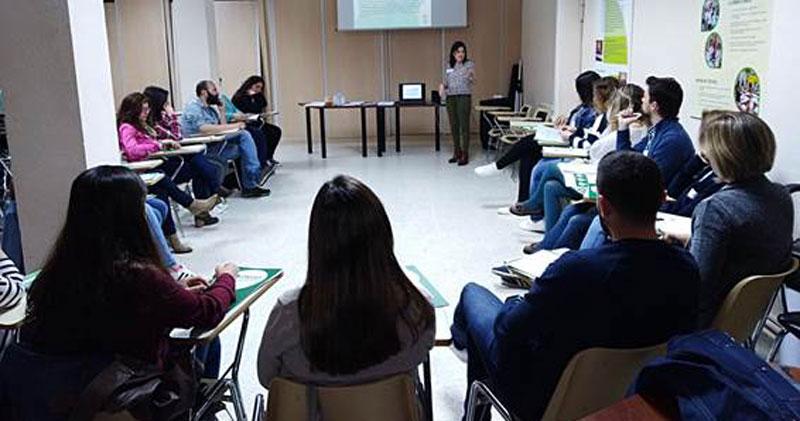 Los trabajadores de Plena inclusión Extremadura asisten a un taller de gestión emocional