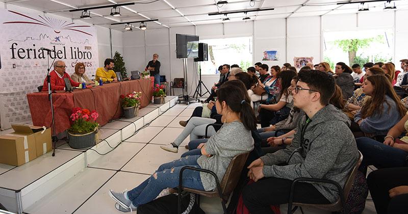 Presentación de nueva colección de 'Microrelatos' en la Feria del Libro de Cáceres