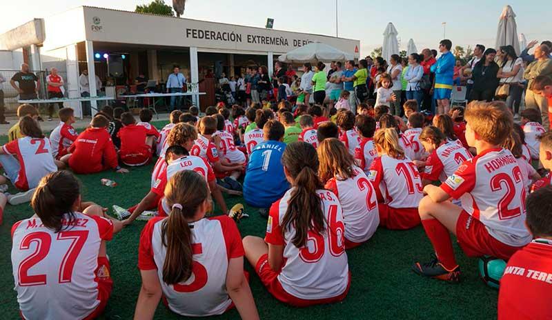 El Santa Teresa cierra la temporada con una fiesta del fútbol y ya piensa en la próxima campaña, con Estefa al frente