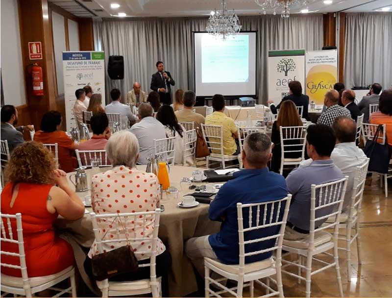Ibercaja y la Asociación Extremeña de la Empresa Familiar organizan una jornada sobre protección de datos