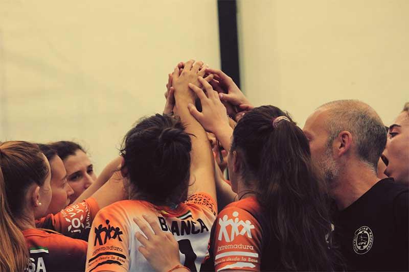 El equipo femenino del Extremadura Hotel Río Badajoz de voleibol asciende a Primera División Nacional