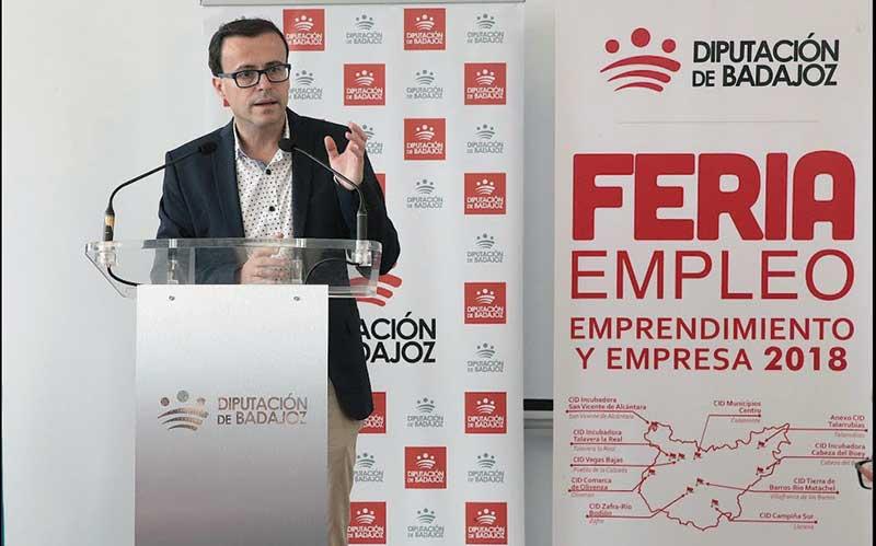 Los Centros Integrales de Desarrollo acogen ferias de empleo, emprendimiento y empresa. Grada 125. Diputación de Badajoz