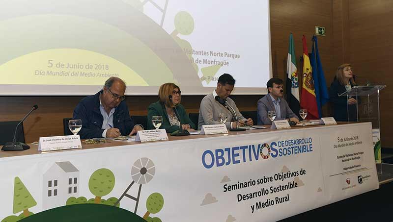La Diputación de Cáceres celebra un seminario sobre los Objetivos de Desarrollo Sostenible y medio rural. Grada 125