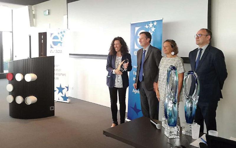 La Oficina para la Innovación de Extremadura recibe un premio Eurada. Grada 125. Fundecyt-Pctex