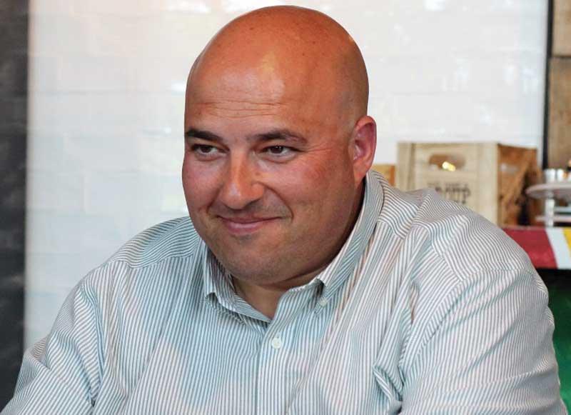 Víctor Manuel Sosa. Gerente de Publicom. Grada 125. Zona empresa