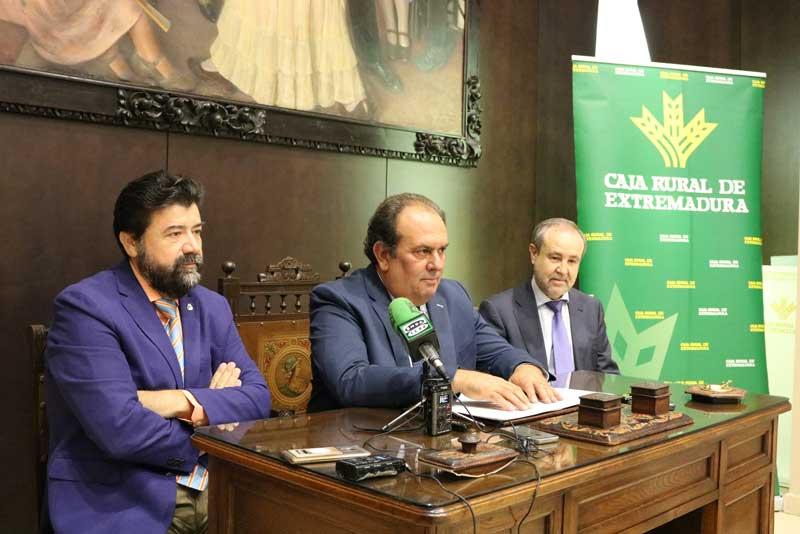 Caja Rural de Extremadura y la Confederación Empresarial Extremeña firman un convenio de colaboración
