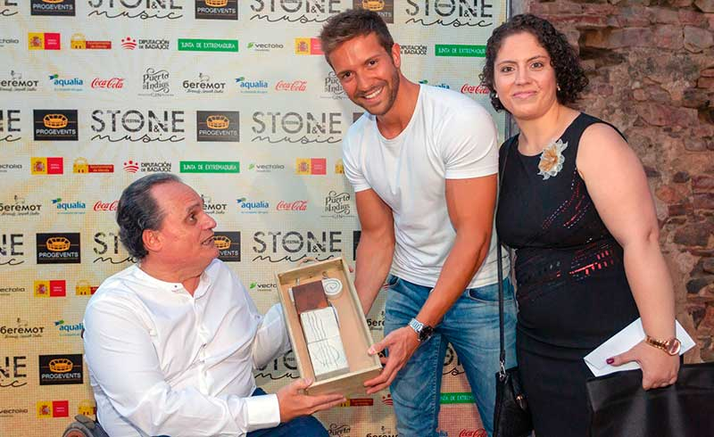 Fundación Primera Fila y Mar García Trigo con Pablo Alborán