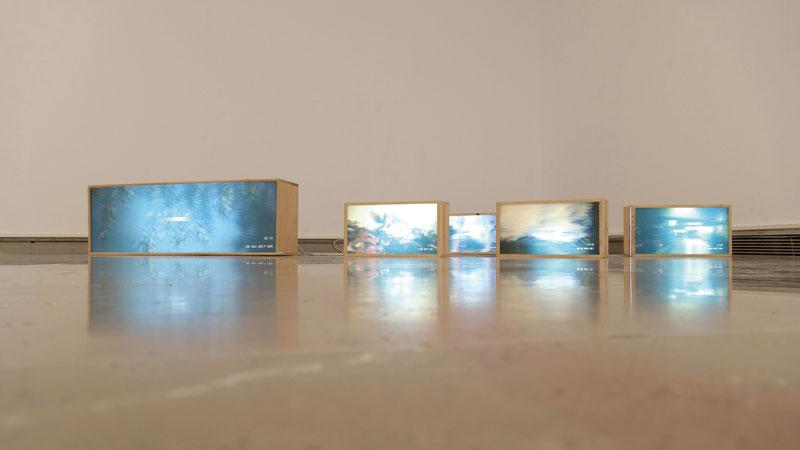 A la pintura por el oído. Reseña de la exposición 'Mapa sonoro', de V. Rivas. Grada 126. Arte