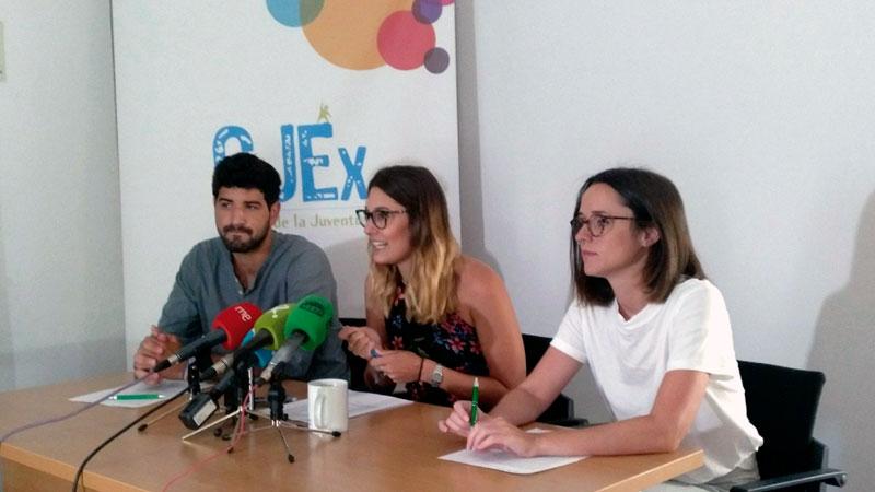 Hay que asegurar oportunidades a la juventud para fijar la población en Extremadura. Grada 126. Consejo de la Juventud