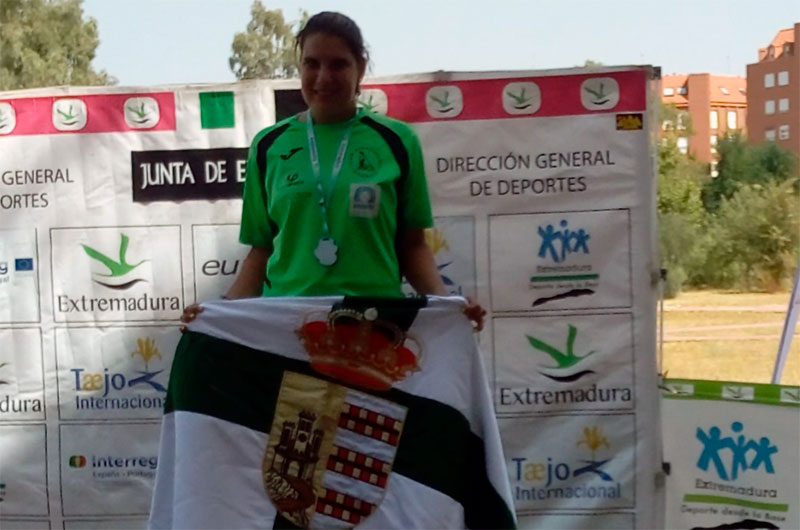 Elena Ayuso gana el II Trofeo internacional de piragüismo Ciudad de Mérida