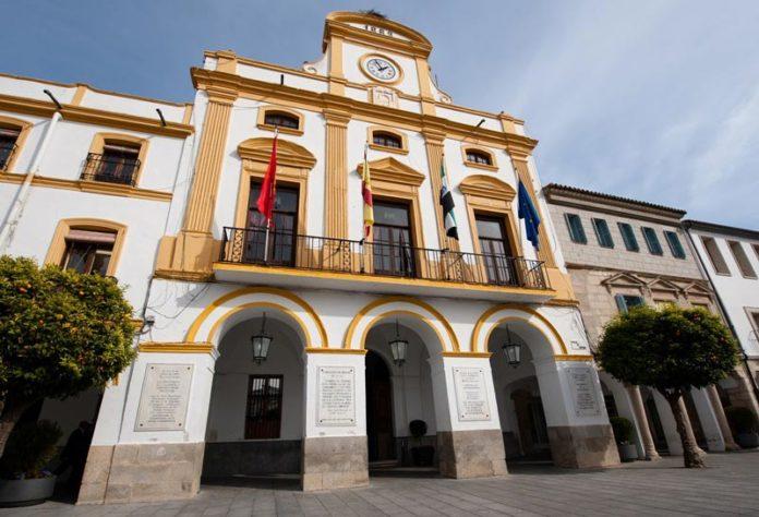El Ayuntamiento de Mérida mejorará la accesibilidad del Palacio municipal