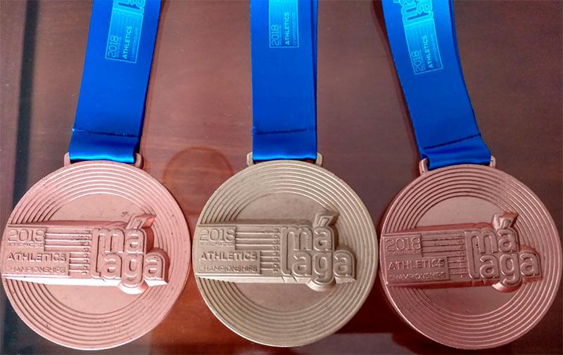 Medallas de Leo Toro en el Mundial Veterano de Atletismo