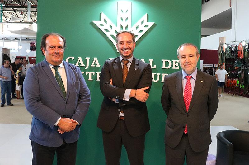 Caja Rural de Extremadura mantiene su presencia en Feciex y la colaboración con la Federación Extremeña de Caza