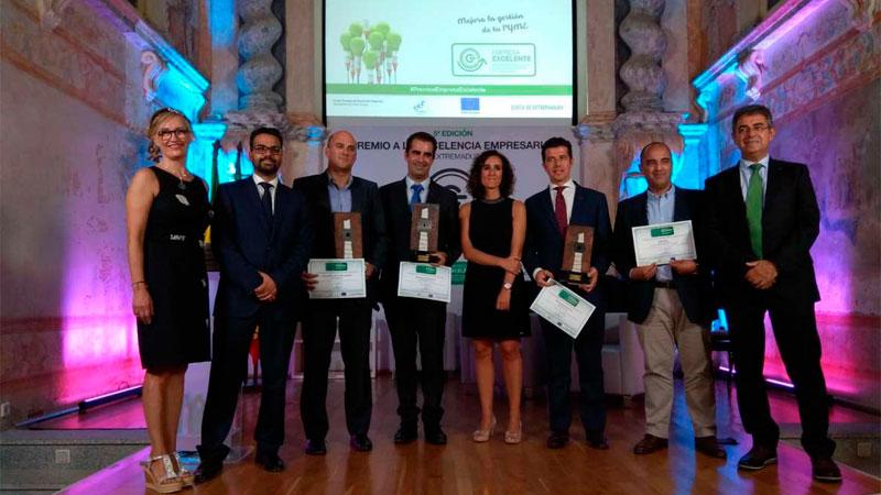 La Junta entrega los Premios a la Excelencia Empresarial y reconoce a las empresas socialmente responsables