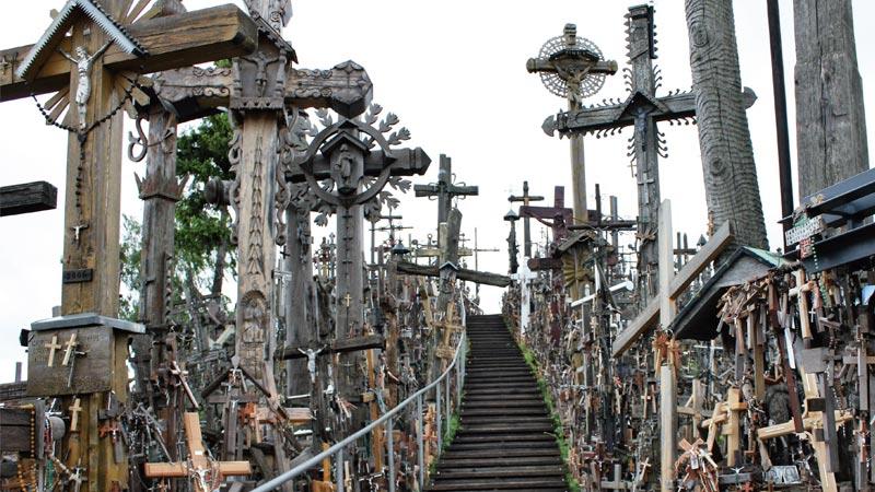 La 'Colina de las Cruces' en Lituania. Grada 127. Viajes