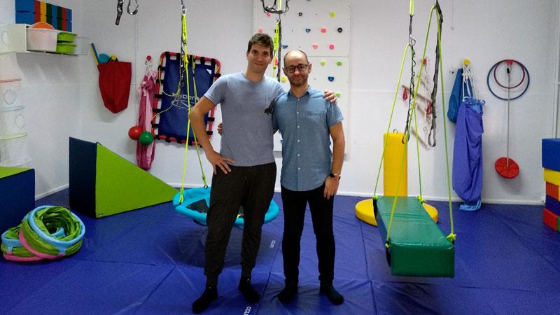 El colegio Arias Montano de Badajoz cuenta con un aula para niños con autismo a cargo de un terapeuta ocupacional