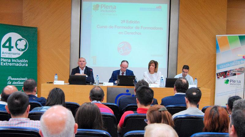 Plena inclusión Extremadura clausura un curso de Formador de Formadores en Derechos
