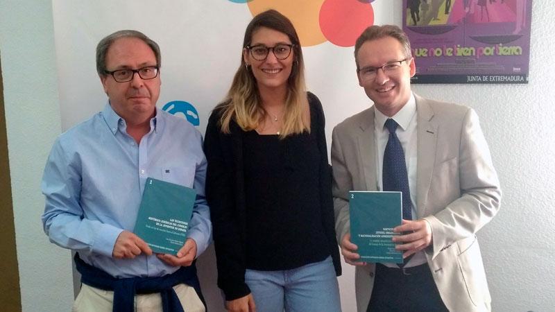 El Consejo de la Juventud de Extremadura presenta la colección editorial 'Estudios sobre Juventud'