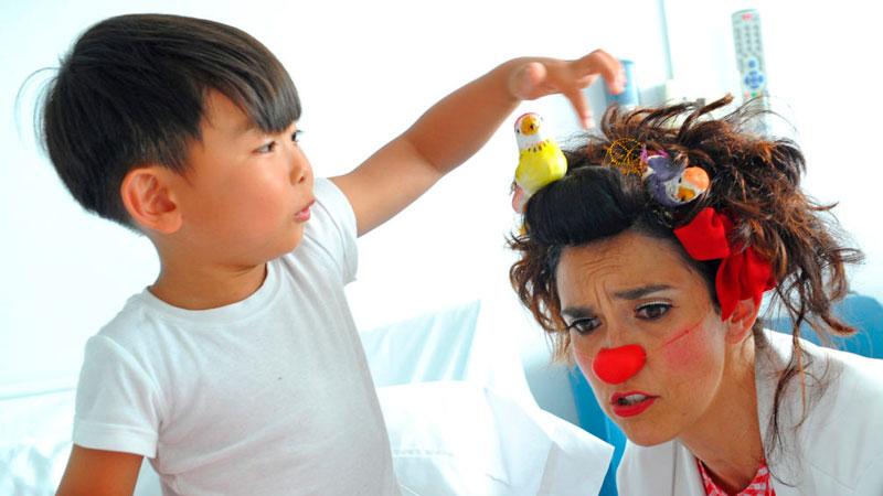 BBVA y la Fundación Theodora llevan la musicoterapia a 30.000 niños en hospitales de España