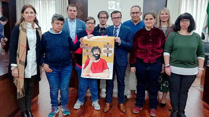 Plena inclusión Extremadura presenta a varios alcaldes su campaña de sensibilización sobre la accesibilidad cognitiva
