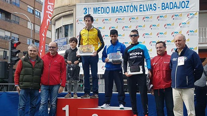 Jesús Antonio Núñez y Mercedes Pila se adjudican la victoria en el XXXI Medio maratón Elvas-Badajoz