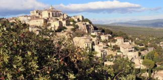 Gordes, uno de los pueblos más bonitos de Francia. Grada 128. Viajes