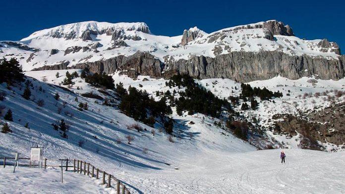 Ibercaja presenta la tarjeta 'Ski Pirineos', que podrá usarse en las siete estaciones de esquí aragonesas