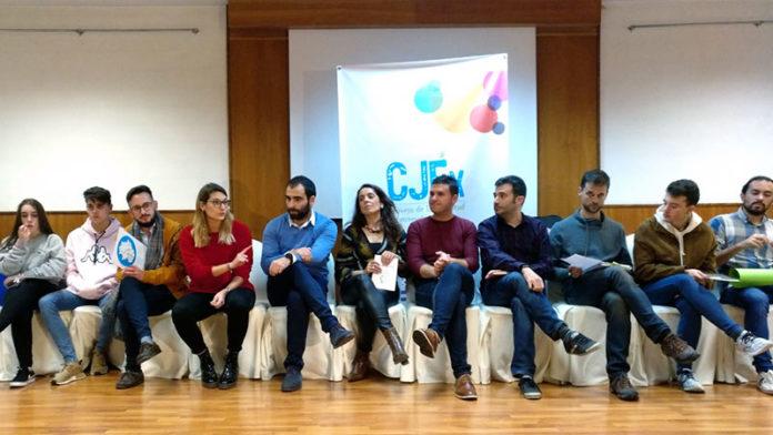 El Consejo de la Juventud de Extremadura traslada a los partidos políticos las inquietudes de los jóvenes
