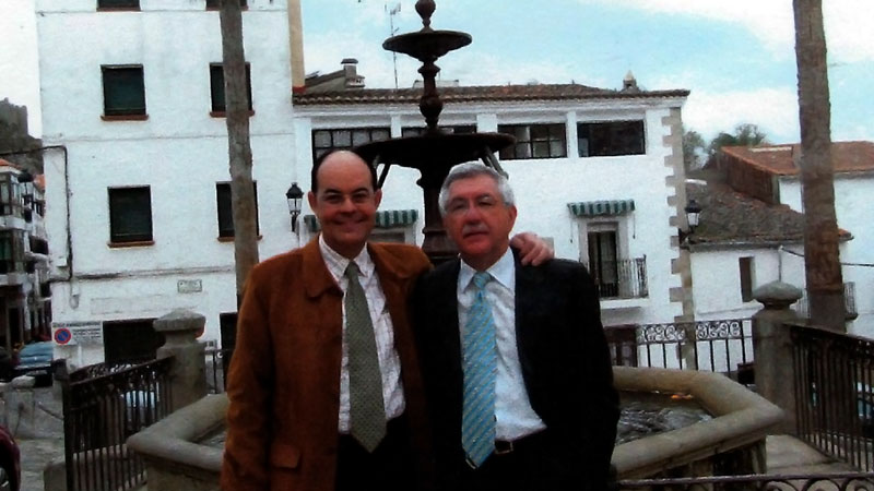 José Antonio Ramos y Santiago Molano editan un libro sobre bienes muebles de la provincia de Cáceres