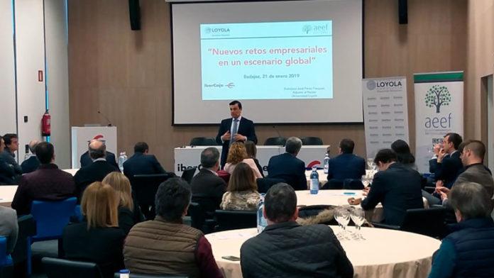 La Asociación Extremeña de Empresa Familiar organiza un desayuno de trabajo con la Universidad Loyola Andalucía