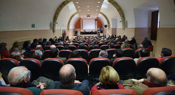 Una veintena de entidades locales de la provincia de Cáceres reciben ayudas para residencias y centros de día