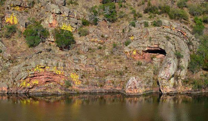 El Instituto Geológico y Minero de España edita la Guía Geológica del Parque Nacional de Monfragüe