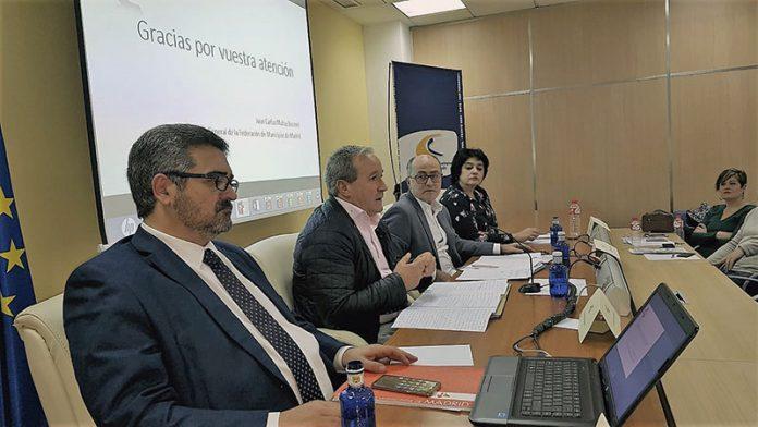 La Fempex presenta en Cádiz experiencias innovadoras en formación de trabajadores municipales. Grada 131