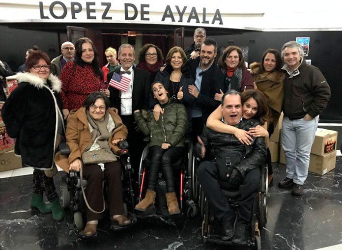 La obra 'Pasaporte a Nueva York' se representa en Badajoz con fines benéficos y éxito de público