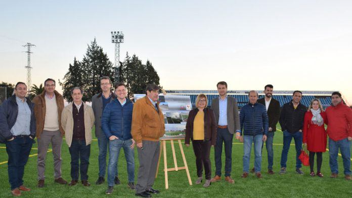 Jaraíz de la Vera cuenta con un nuevo césped artificial en el campo de fútbol