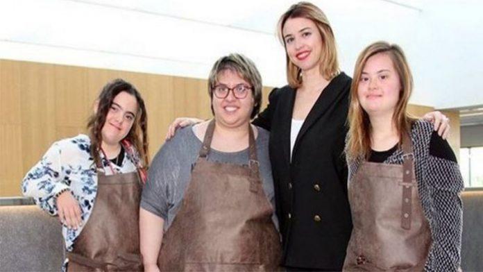Tres jóvenes con síndrome de Down diseñarán un bolso para una marca de lujo