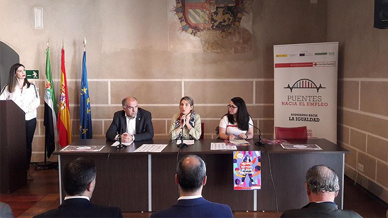 Cruz Roja Badajoz conmemora el Día Internacional de la Mujer