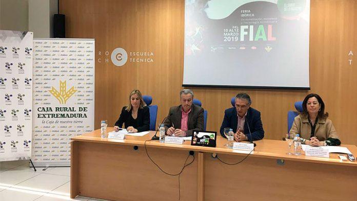 Caja Rural de Extremadura refuerza su apoyo al sector agroalimentario con su presencia en FIAL