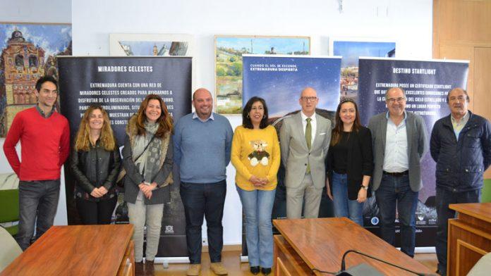 Siete municipios pacenses y uno portugués del entorno de Alqueva obtienen el certificado 'Destino turístico Starlight'