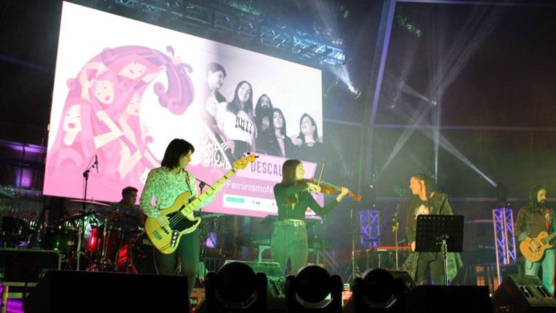 Cerca de un millar de persona arropan el primer concierto organizado con motivo del Día Internacional de la Mujer