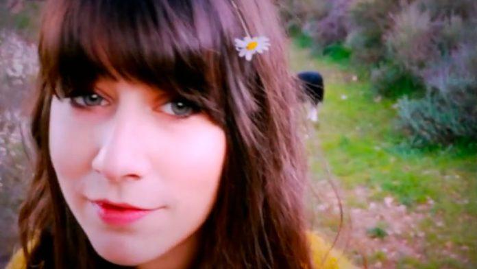 Chloé Bird estrena su nuevo videoclip 'The light in between'