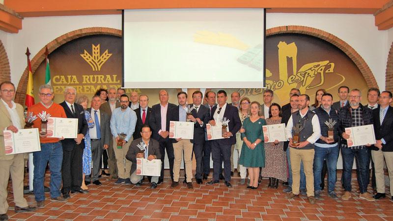 Caja Rural de Extremadura entrega los premios Espiga de quesos con denominación de origen