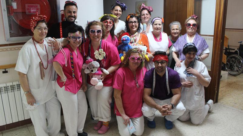 La residencia de mayores San Martín de Porres de Miajadas se une a la celebración del Día de la diversión en el trabajo